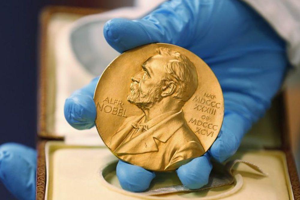 Cientistas recebem Nobel de química pelo desenvolvimento de bateria de lítio